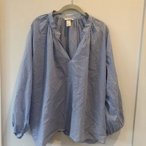 H&M Lightweight Pop-over Blouse  w V-Neck